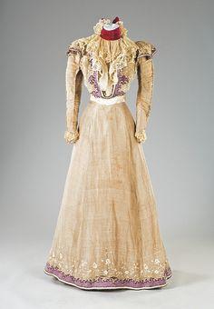 Summer dress 1897.