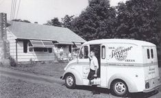 Sicomac Dairy Divco delivery truck Seen in Bergen County, NJ Step Van, Amusement Park Rides, As Time Goes By, Heavy Truck, Commercial Vehicle, Old Trucks, Camper Van, Recreational Vehicles, Vintage Photos