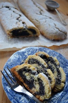 MAKOVNJACA (Poppy Seed Roll) Serves: 2 rolls Ingredients DOUGH g oz) flour, sieved 2 ts baking powder 1 pinch of salt 120 g oz) butter, soft 60 g oz) sugar 1 egg 1 [. Desserts For A Crowd, Winter Desserts, Great Desserts, Delicious Desserts, Trifle Desserts, Party Desserts, Dessert Recipes, Czech Recipes, Croatian Recipes