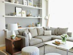 1-étagère-murale-petite-étagère-salon-canapé-gris-tapis-gris-petite-table-basse-de-salon