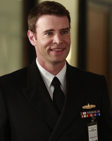 Jake Ballard probably won't rot in that hole for long. Scott Foley, who recurred as romantic foil Jake on Shonda Rhimes' Scandal this season, has closed a deal to join the hot ABC drama as a regular for its upcoming third season. Scandal Tv Series, Scandal Abc, Scott Foley Scandal, Jake Ballard, Tony Goldwyn, Olivia Pope, Tv Episodes, Event Photos, Dream Guy