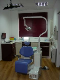 Dr. Michelinakis Prosthodontics and Implant Dentistry. It is located in the very heart of the city-centre, near the metropolitan church of Agios Minas in Heraklion, Greece.