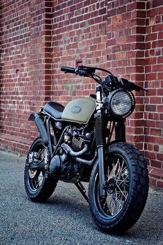 XT 600 Street Tracker - great wheel/tire combination.