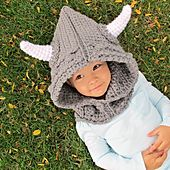 How to make any cute child 10 times cuter, dress them as a legendary blood-thirsty warrior. (Yes, I KNOW that Vikings didn't really have horns on their hats.)