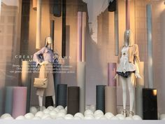 Clean summer style This window display is made by department store de Bijenkorf in Amsterdam. As you have seen in my previous posts, I regularly share something they create, because they do it so well. Fashion Window Display, Window Display Retail, Window Display Design, Visual Merchandising, Fashion Showroom, Clothing Displays, Retail Store Design, Exhibition Display, Visual Display