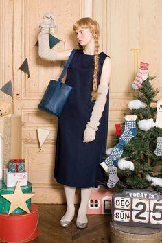 バケツみたいな形がユニークね。|ころんとフォルムのバケツバッグ Syrup, Dresses, Fashion, Vestidos, Moda, Fashion Styles, Dress, Fashion Illustrations, Gown