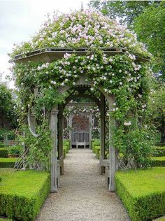 Seend Manor Rose Garden image via Paul *'s photostream