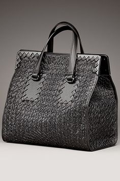 Bottega Veneta....the ultimate in woven leather craftmsmanship♡