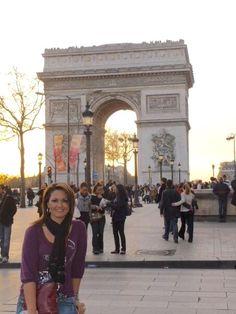 Sunset at L'arc du Triomphe