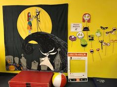 Nightmare Before Christmas birthday party - photobooth and prop ideas