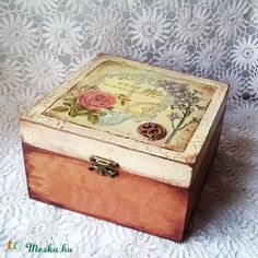 Vintage doboz (blueklarion) - Meska.hu Decoupage, Decorative Boxes, Diy, Vintage, Home Decor, Bricolage, Vintage Comics, Interior Design, Handyman Projects