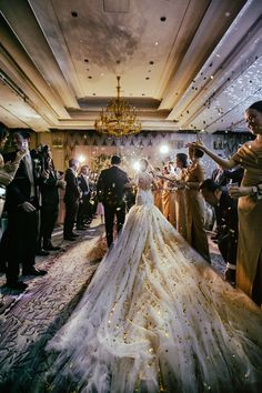Just one look at this Thailand wedding and you'll be completely mesmerized. Split into two parts, get inspired by Lara Lam and Sixtysix Visual's photos.