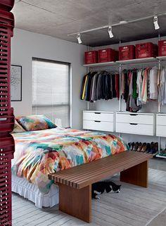 Creatieve scheidingswand tussen slaapkamer en woonkamer | Inrichting-huis.com