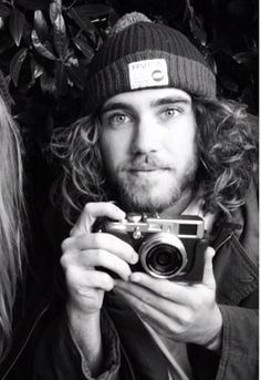 Bree Tanter and Matt Corby Pretty Men, Gorgeous Men, Better Half, How To Look Better, Pretty People, Beautiful People, Hair And Beard Styles, Long Hair Styles, Matt Corby