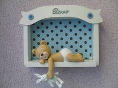 Quadro de maternidade Urso dormindo Marron e azul tamanho 27x19 R$ 74,80