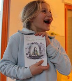 """La bellezza magica del sorriso di una bambina...Valentina a Natale  riceve dalla mama """"Tutta colpa di un libro"""""""