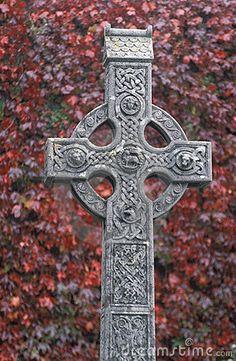 Ireland, Celtic Cross © Pipa100