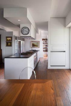 Abitazione privata, Casa Balduina, cucina total white con ...