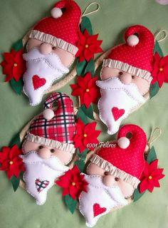 O sucesso das duas primeiras guirlandas que fiz com essa carinha de Papai Noel foi tanto que tive que fazer mais quatro por encomenda ap...