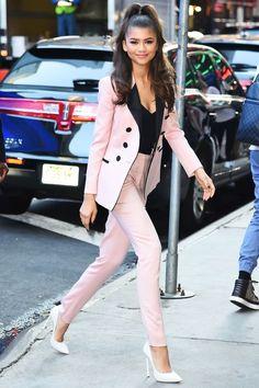 Zendaya's Glamorous Party Outfit Is So Unexpected - Celebrity Style Zendaya Street Style, Mode Zendaya, Street Style Outfits, Zendaya Outfits, Celebrity Outfits, Mode Outfits, Fashion Outfits, Womens Fashion, Zendaya Fashion