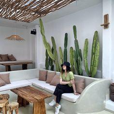 Lobby Interior, Cafe Interior, Home Interior Design, Coffee Shop Design, Cafe Design, Dream Home Design, House Design, Outdoor Restaurant Design, Living Room Inspiration