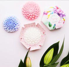 Новинка! Сувенирное мыло  Be Loved body ручной работы в форме хризантемы🌸  смаслом жожоба.  📌 купить здесь:  http://nlstar.com/ref/APtjgL/