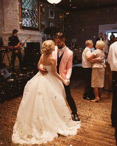 "I want confetti!!! Wedding Chicks™  on Instagram: ""Wedding dance perfection  Another image from our Keep Calm Red and Pink Wedding blog post!  #weddingblog #weddingchicks  #photography by @yaroslav_shuraev  #venue is @chaletberezka  #muah by @jane_hahaeva  #coverband is @vludiband  #weddingcoordinator #weddingplanner is @mrsmaxim.wedbureau #weddingflowers by @flowerslovers.ru"