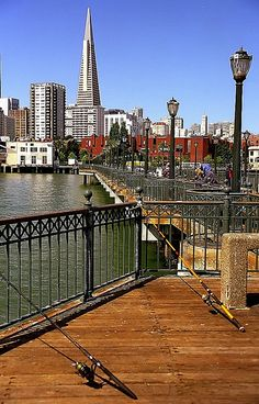 San Francisco - Transamerica Building from Pier 7