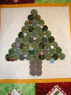 Christmas tree yo yo quilt