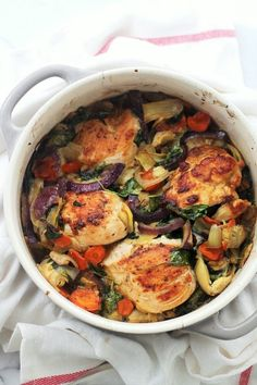Baked Chicken with Spinach and Artichokes by diethood#Chicken #S pinach #Artichokes #Healthy