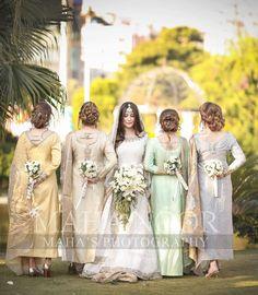 Asian Wedding Dress Pakistani, Pakistani Wedding Photography, Pakistani Bridal Makeup, Desi Wedding Dresses, Weeding Dresses, Pakistani Outfits, Bridal Photography, Photography Poses, Wedding Gowns