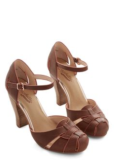 Get Loud Heel in Whiskey. Youre ready to boogie to live music at todays outdoor concert, and these brown heels from Seychelles are your go-to dancing shoes! #brown #modcloth