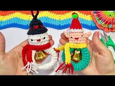 Muñeco de nieve y Duende Con Campanitas Tejidos a crochet paso a paso - YouTube Hello Kitty, Christmas Ornaments, Holiday Decor, Youtube, Xmas, Mason Jars, Holiday Ornaments, Christmas Jewelry, Christmas Decorations