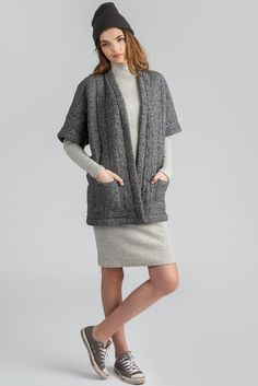 With patch pockets! Looks great with a sweater or jean jacket underneath. Kimono Style, Kimono Fashion, Layering, Looks Great, Pockets, Sweaters, Dresses, Vestidos, Sweater