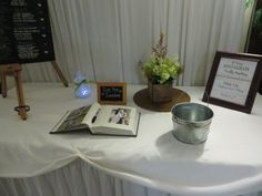 Amanda and Zak in invited their guests to sign their guest book and Instagram photos throughout the wedding reception.