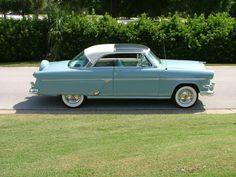 1954 Ford Plexiglas roof,very nice.