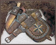 Frontiersman rig form Wild Rose Trading Co. A little late period, but sweet. Custom Leather Holsters, Cowboy Action Shooting, Pistol Holster, Fur Trade, Leather Tooling, Leather Carving, Mountain Man, Leather Craft, Weapons