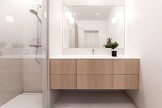 Excellent Free of Charge Bathroom Mirror minimalist Tips Maybe you have checked out your previous bathroom mirror and wished you might have any retracted goi Brick Bathroom, Small Bathroom Interior, Small Bathroom Paint, Marble Bathroom Accessories, Bathroom Mirror Design, Bathroom Vanity Storage, Bathroom Shelf Decor, Bathroom Wallpaper, Bathroom Inspo
