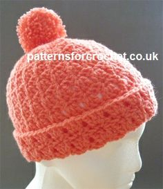 Matching Bobble Hat, free crochet pattern for adults on Patterns for Crochet (links to free matching scarf pattern) Crochet Cap, Quick Crochet, Crochet Beanie, Crochet Gifts, Crochet For Kids, Free Crochet, Knitted Hats, Crochet Patterns, Hat Patterns
