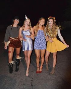 Girl Group Halloween Costumes, Hallowen Costume, Trio Costumes, Costumes For Women, Group Of 4 Costumes, Bff Costume Ideas, Scooby Doo Halloween Costumes, Zombie Costumes, Family Costumes