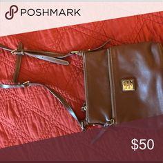 Cross body Dooney & Bourke bag Cross body Dooney & Bourke bag Dooney & Bourke Bags Crossbody Bags