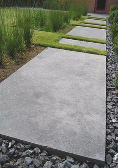 """- Vertus -hipster """"edgy"""" grass dividers break up the concrete. Garden Paving, Garden Paths, Modern Landscaping, Backyard Landscaping, Back Gardens, Outdoor Gardens, Garden Architecture, Contemporary Garden, Dream Garden"""