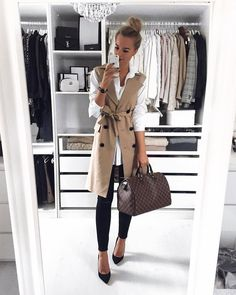 Discover ideas about office outfits Blazer Outfits, Chic Outfits, Fashion Outfits, Womens Fashion, Spring Outfits Women, Fall Outfits, Office Fashion, Urban Fashion, Look 2018