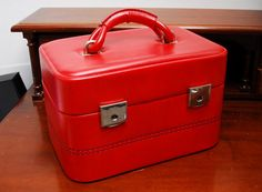 Bon Voyage Vintage train case luggage red, 1970s Paris