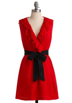 love the color, detailing on the neckline and the contrasting black belt...fabulous