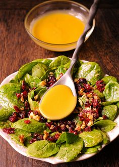 This Cranberry Spinach Walnut Salad in Honey Mustard Vinaigrette is full of crunchy walnuts, sweet cranberries and fresh spinach. Honey And Mustard Salad, Honey Mustard Vinaigrette, Mustard Dressing, Cranberry Walnut Salad, Cranberry Chicken, Chopped Salad Recipes, Spinach Salad Recipes, Chopped Salads, Chicken Pasta Recipes