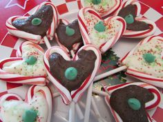"""Things that make you say: """"Mmmmm""""!: Chocolate-Filled Candy Cane Pops"""