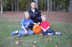 No. 5 crew chief Kenny Francis and his children decided to join in the fun by carving their own Hendrick Motorsports-themed pumpkin to help remind fans to do the same.