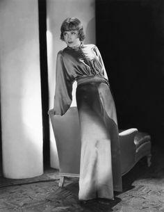 Portrait of Fay Wray by Robert Coburn. King Kong 1933, Skull Island, Hollywood Fashion, Old Hollywood, Classic Hollywood, Hollywood Style, Hollywood Actresses, Godzilla, Dona Drake