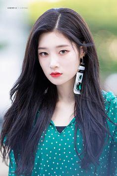 dedicated to female kpop idols. Korean Girl, Asian Girl, Asian Woman, Korean Beauty, Asian Beauty, Kim Chungha, Geisha Hair, K Drama, Jung Chaeyeon